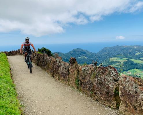Fantástica viagem de BTT nos Açores